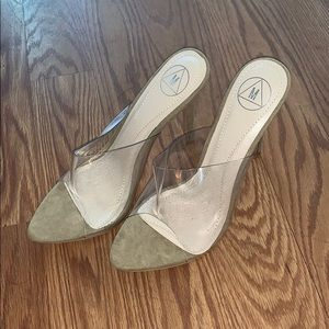 Shoes - Clear / Nude heels